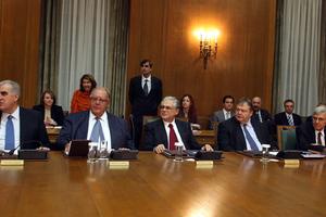 Παπαδήμος: Αρχικές, όχι τελεσίδικες οι συζητήσεις για τις επικουρικές