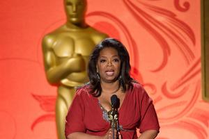 Γνωστοί σταρ έλαβαν τιμητικά Oscar