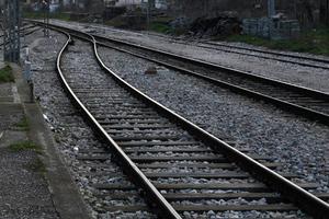 Λιγότερα δρομολόγια τρένων από και προς Θεσσαλία