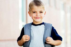 Προσοχή στη βαριά σχολική τσάντα