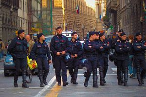 Μεγάλη επιχείρηση κατά της Καμόρας στην Ιταλία