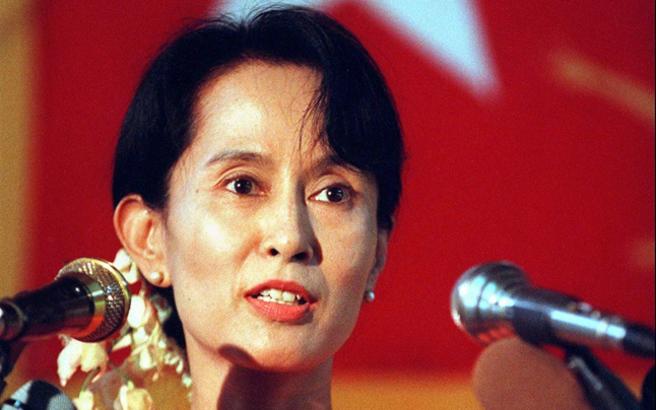 «Γέφυρα» ειρήνης με τους Ροχίνγκια στήνει η Αούνγκ Σαν Σου Κι