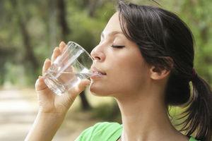 Πώς θα πίνετε περισσότερο νερό