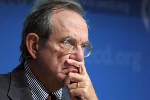 Πάντοαν: Η Ελλάδα πρέπει να βοηθηθεί για να παραμείνει στην ευρωζώνη
