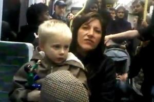 Ρατσιστικό παραλήρημα μέσα στο τραμ