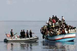 Πλοίο πλέει ακυβέρνητο λόγω βλάβης