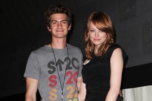 Νέο ζευγάρι στο Hollywood
