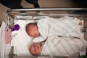 Γεννήθηκαν τα «δίδυμα με τέσσερις γονείς»