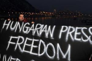 Σε απεργία πείνας τέσσερις ούγγροι δημοσιογράφοι