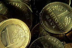 «Καλύτερα η Γερμανία να φύγει από το ευρώ παρά να σώζει συνέχεια την Ελλάδα»
