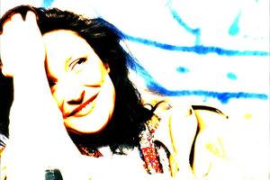 Η Αφροδίτη Μάνου στο Γυάλινο