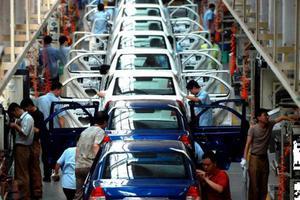 Οι γερμανικές αυτοκινητοβιομηχανίες ανοίγουν μηχανές σταδιακά από την ερχόμενη εβδομάδα