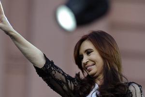 Λάδι στη φωτιά ρίχνει η Βρετανία στη διένεξη με την Αργεντινή