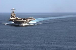 Πολεμικό πλοίο των ΗΠΑ έσωσε ιρανούς ναυτικούς