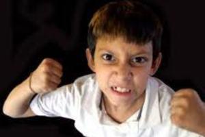 Δεκάχρονος έσπασε στο ξύλο τις δασκάλες του!