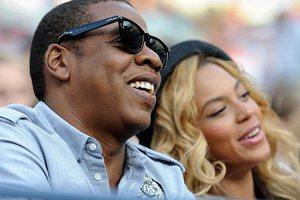 Οργιάζουν οι φήμες περί απιστίας του Jay Z