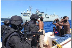 Πειρατικό πλοίο κατέλαβαν δυνάμεις του ΝΑΤΟ