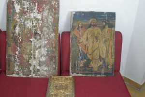 Ιερόσυλοι άρπαξαν οκτώ παλιές εικόνες στα Γιάννενα