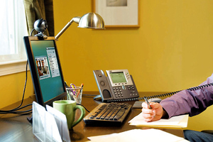 Συνεχίζονται οι προσφορές για τηλεφωνία και internet