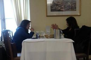 Γεύμα στη Βουλή για Διαμαντοπούλου-Αράπογλου