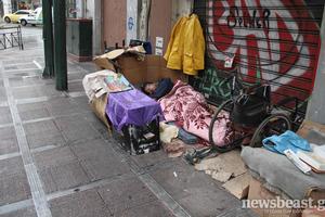 Μια κοινωνία, δύο κόσμοι στο κέντρο της Αθήνας
