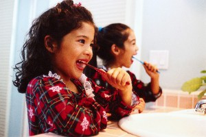 Συμβουλές για γερά παιδικά δόντια