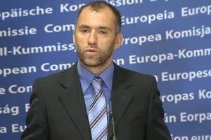 Η Κομισιόν διαψεύδει τα περί «βέτο» για Εθνική-Eurobank