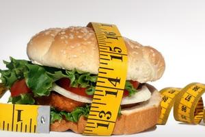Βλαβερό -και- για τον εγκέφαλο το junk food