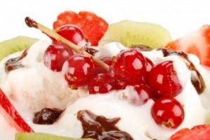 Γλυκιά κρέμα με φρούτα