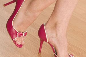 Τα ψηλοτάκουνα προκαλούν μακροχρόνιες βλάβες