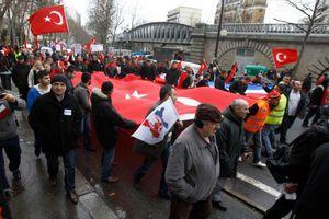 Ένας στους δύο Τούρκους στη Γερμανία θέλει να επαναπατριστεί