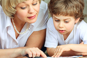 Πώς θα βρείτε τη σωστή νταντά για το παιδί