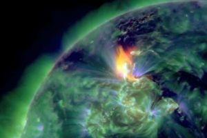 Εκθαμβωτικές εικόνες από το ηλιακό «τσουνάμι»