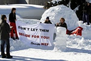 «Θαμμένες» στο... χιόνι οι συνομιλίες στο Νταβός