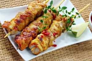 Πικάντικα σουβλάκια με ρύζι