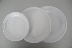 Ανακαλούνται πλαστικά πιάτα με οξικό οξύ
