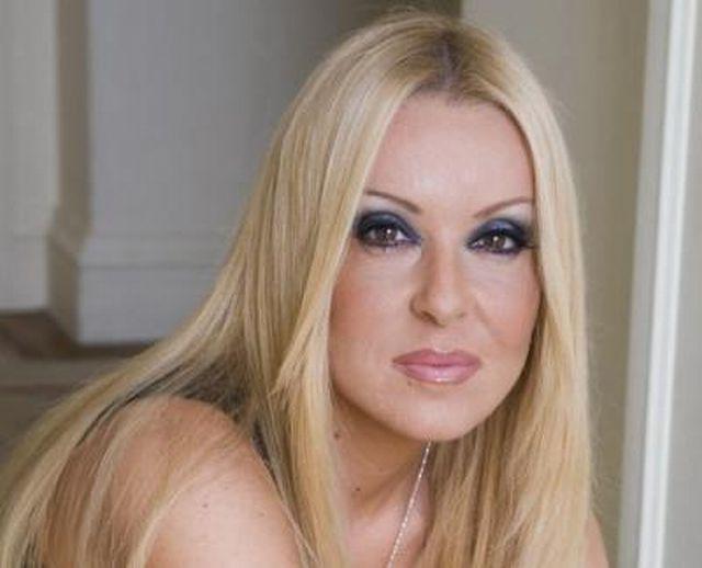 Οι πιο hot ελληνίδες παρουσιάστριες της