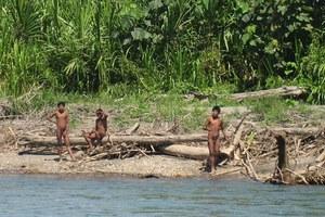 Στα άδυτα άγνωστης φυλής στο Περού