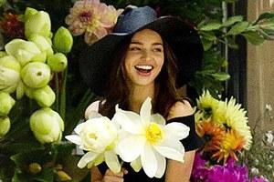 Άλλαξε τα εσώρουχα με... λουλούδια