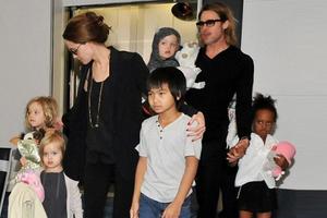 Με coca cola ξυπνάνε τα παιδιά του Brad Pitt