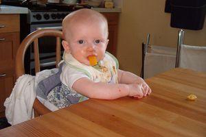 Τα παιδιά που τρώνε με τα χέρια δεν γίνονται παχύσαρκα