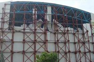 «Ξηλώθηκε» το Κλειστό Κολυμβητήριο Βόλου