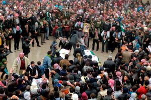 Δεν σέβεται ούτε τις κηδείες ο Άσαντ