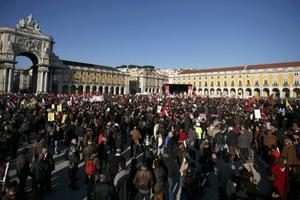 Συνεχίσθηκε η μείωση πληθυσμού στην Πορτογαλία και το 2015