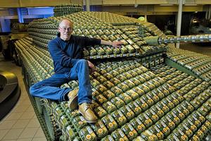 Τανκ από συσκευασίες… αυγών!