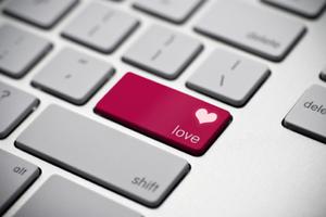 Ερωτικές σχέσεις… μέσω διαδικτύου