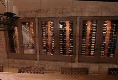http://www.newsbeast.gr/files/1/2012/02/15/wine-cellar-in-the-wall.jpg.png