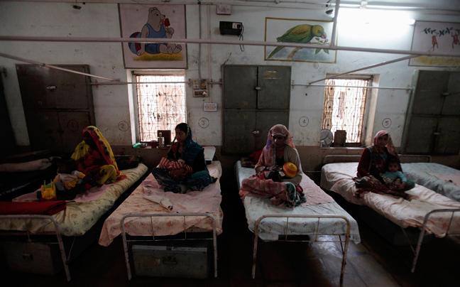 INDIA MALNUTRITION2 ΣΥΓΚΛΟΝΙΣΤΙΚΕΣ ΦΩΤΟΓΡΑΦΙΕΣ: Παιδιά ενός κατώτερου θεού...
