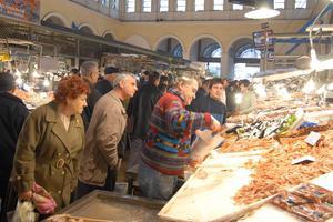 Ολονυχτία στην κεντρική αγορά του Ρέντη ενόψει Καθαράς Δευτέρας