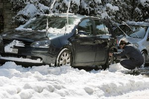 Προβλήματα από τα χιόνια στα βόρεια προάστια